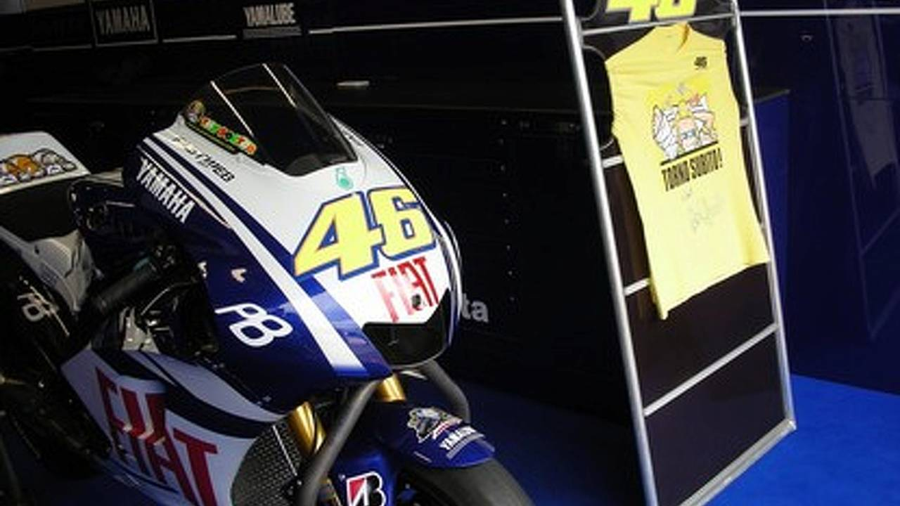 No name test rider replaces Rossi