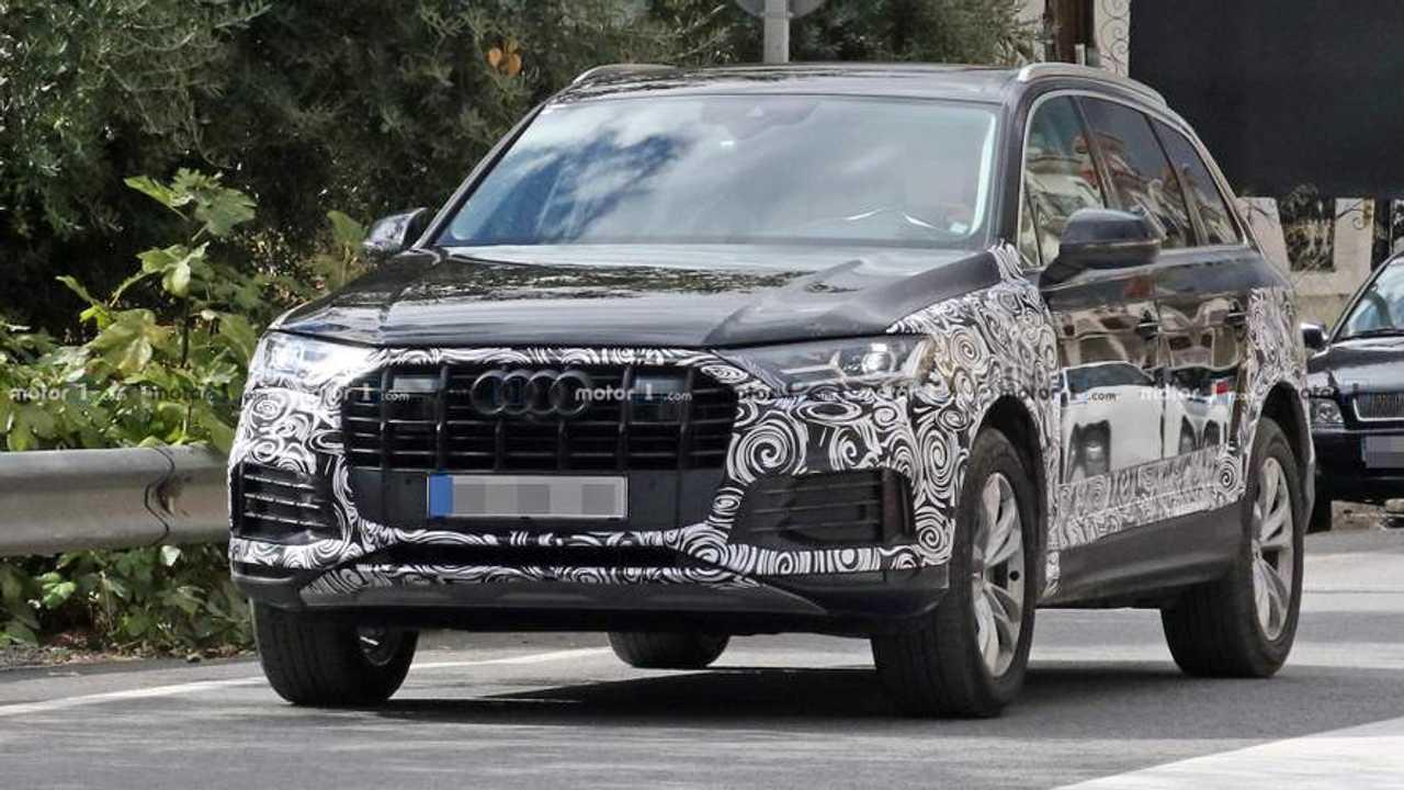 Audi Q7 Refresh Spy Shots
