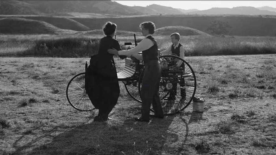 Mercedes bu video ile ilk otomobilin hikayesini hatırlatıyor