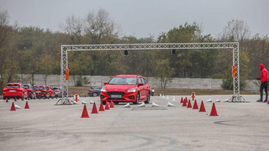 Die Hard és képzeletbeli kamion a Ford Focus hazai bemutatóján