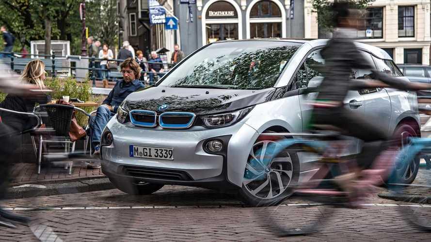 Por ley, los coches eléctricos deberán emitir sonido
