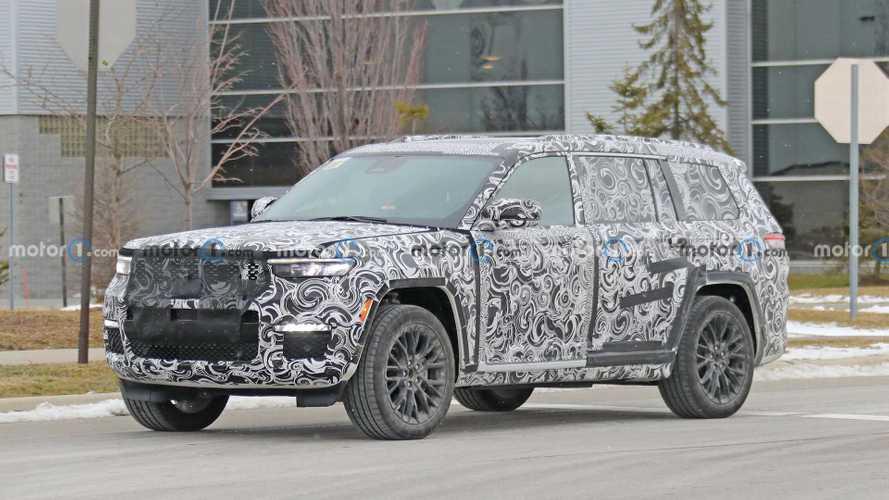 2022 Jeep Grand Cherokee Three-Row Spied Wearing Barely Any Camo