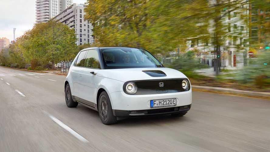 """Compacto elétrico da Honda é o 1º japonês a ser eleito """"Carro do Ano"""" na Alemanha"""
