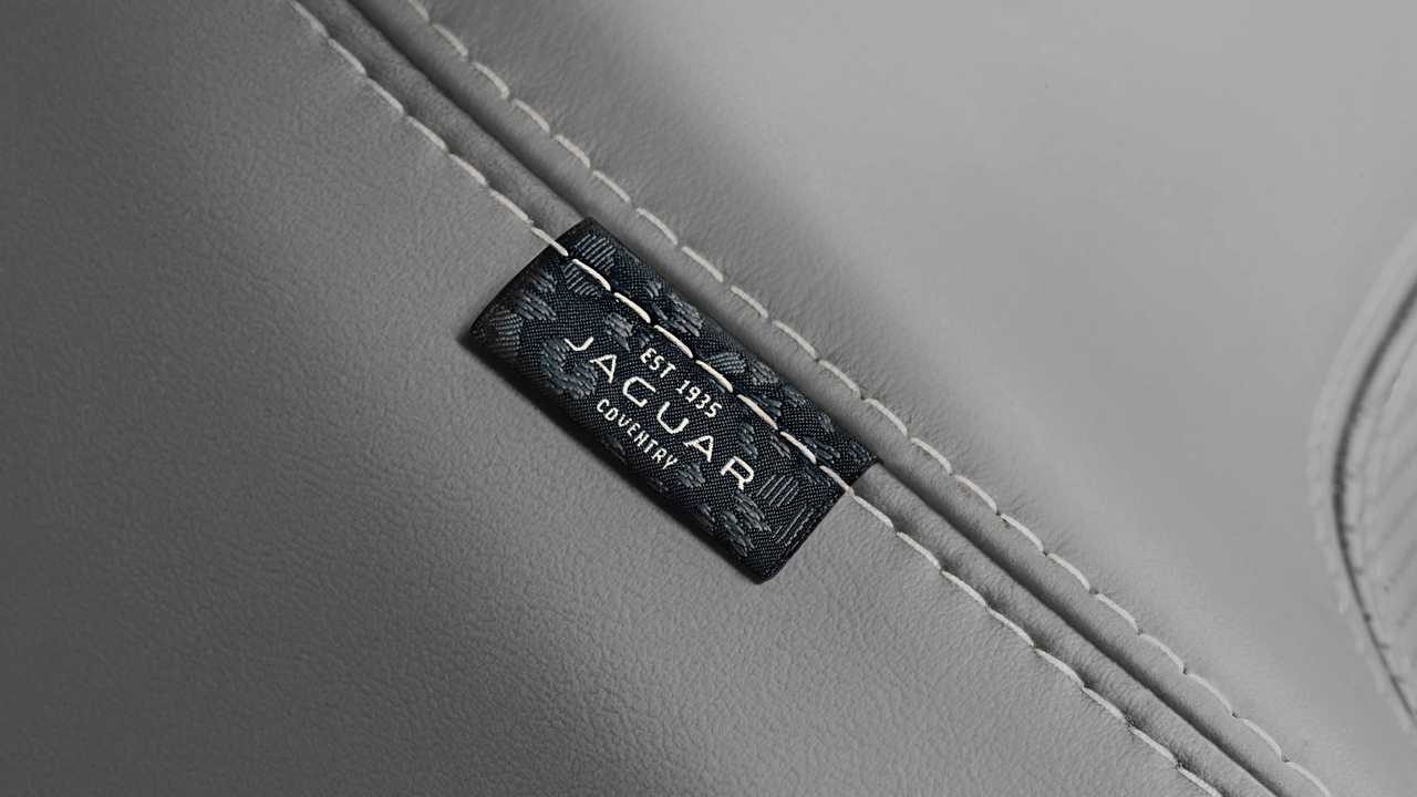 Jaguar E-Pace (2020) Interior
