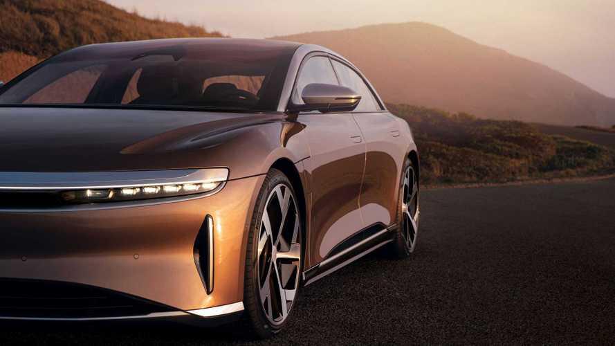 Lucid e Tesla: briga acirrada pelo carro elétrico mais rápido do mundo