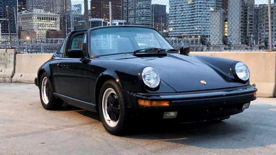 Ezt az 1986-os Porsche 911 Carrera Targát annak idején Tom Cruise vezette