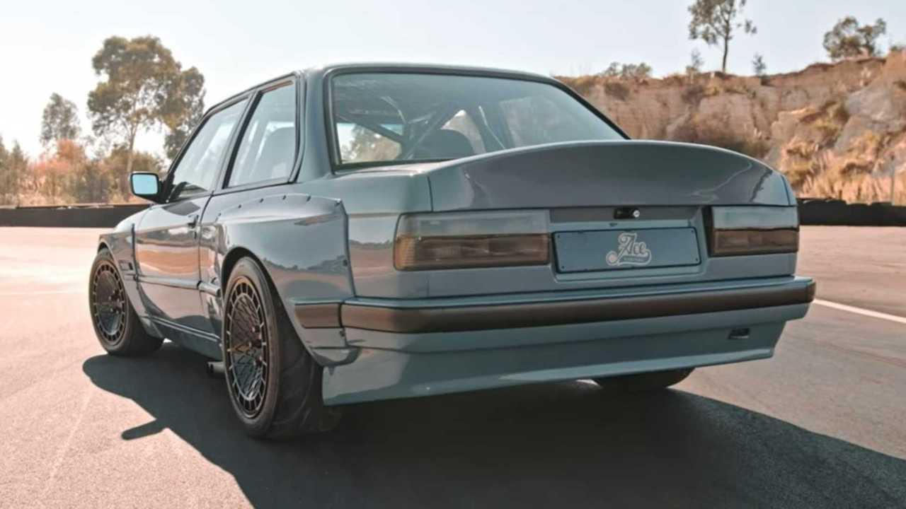 Toyota V8'li BMW 3 Serisi E30.