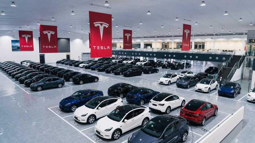 Tesla apre un mega centro consegne in Cina (si pensa a Model Q?)