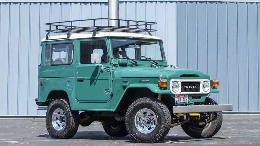 Tom Hanks'in Toyota Land Cruiser'ı açık artırma ile satılacak