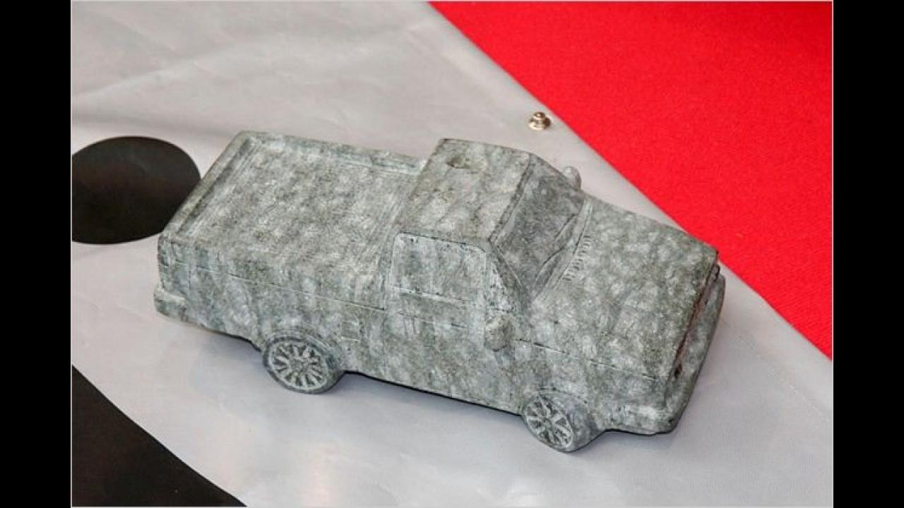Den VW Caddy Pick-up gibt es klein aus Stein ...