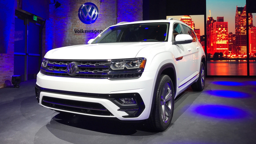 2018 VW Atlas R-Line: Styling, Interior, Arrival >> 2018 Vw Atlas Suv Priced From 30 500