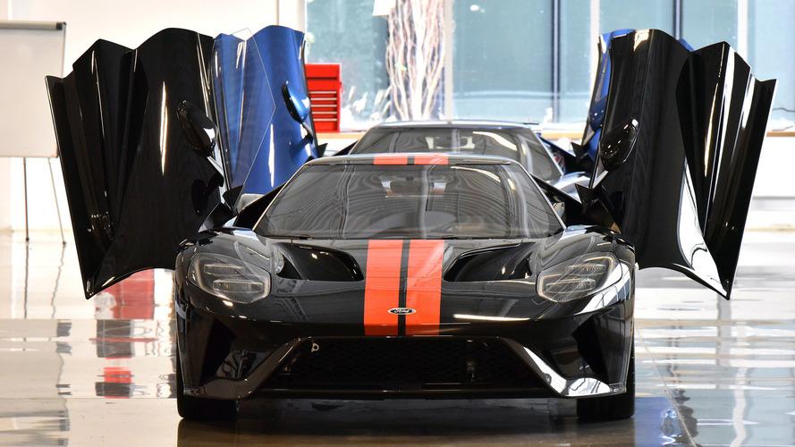 VIDÉO - Sortie des ateliers pour la première Ford GT