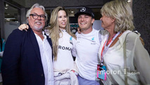 Nico Rosberg, Mercedes AMG F1 celebrates his World Championship with his wife Vivian Rosberg, mother Sina Rosberg and father Keke Rosberg