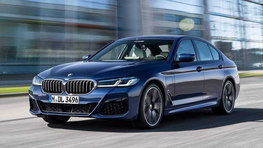 Novo BMW 530e M Sport híbrido plug-in chega ao Brasil por R$ 384.950