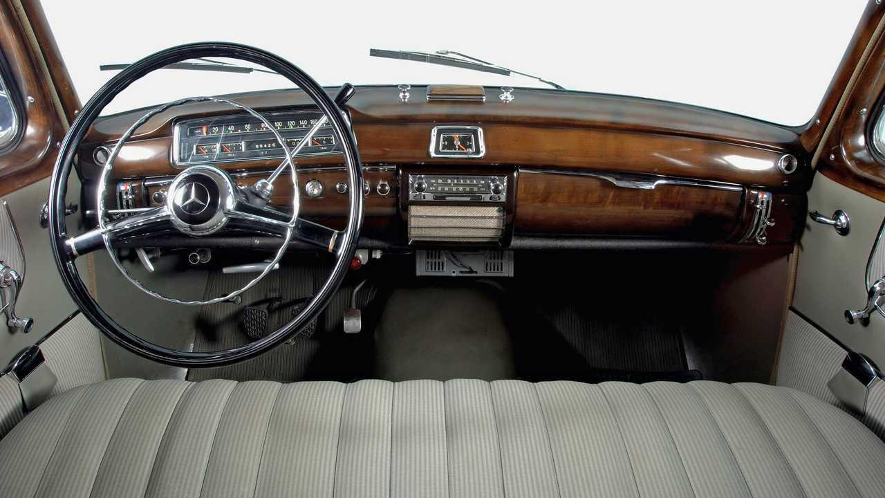 Mercedes-Benz 220 S 'Ponton' (1957)