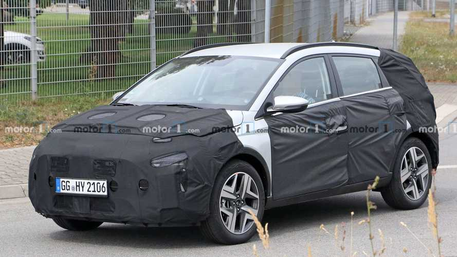 Hyundai i20 Active / Cross (2021) Spy Photo