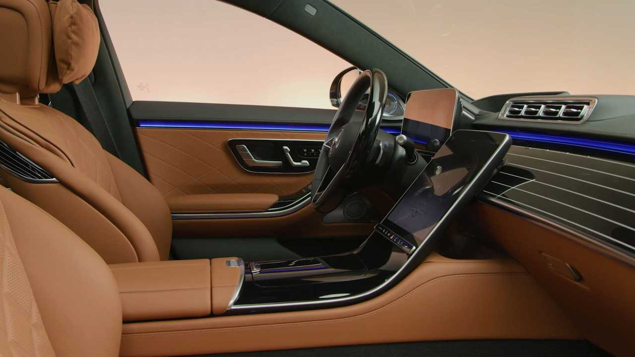 2021 Mercedes S-Class interior
