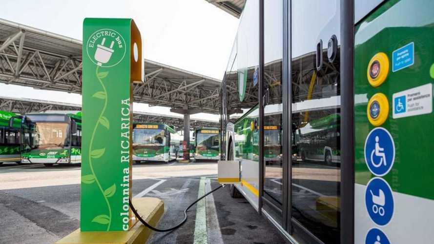 L'Italia si muove su autobus elettrici e trasporto pubblico sostenibile