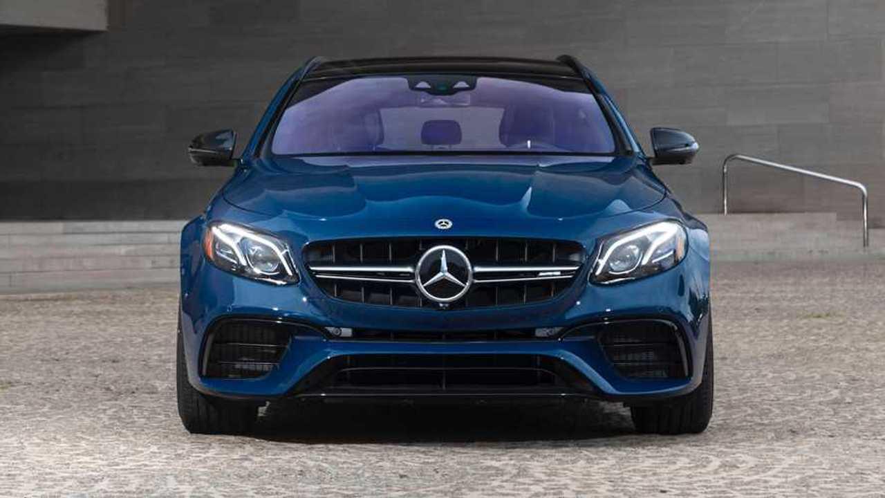 Mercedes-AMG E63 S Wagon: Designo Manufaktur Acciaio Blu