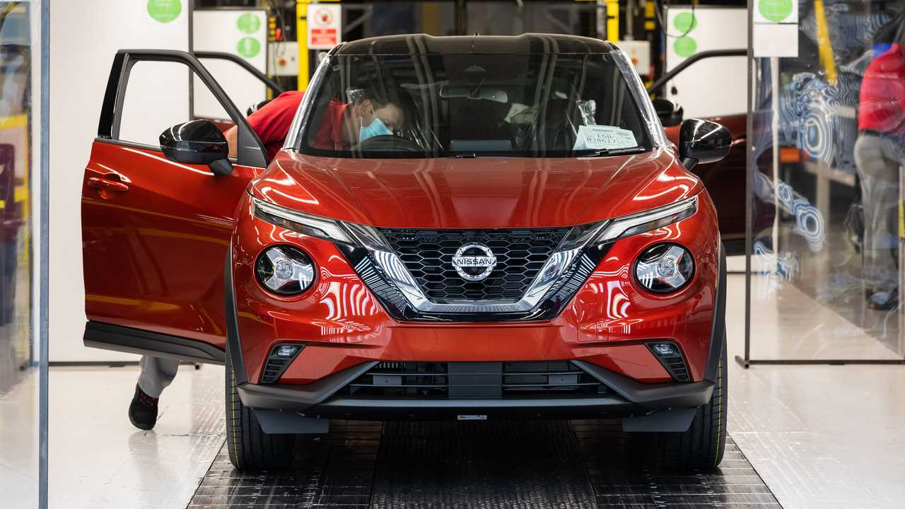 Production resumes at Nissan Sunderland