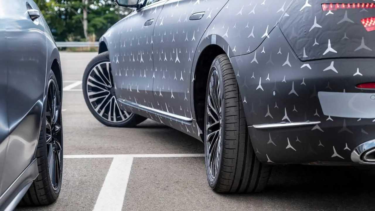 Mercedes S-Klasse (2021) bekommt Hinterachslenkung ...