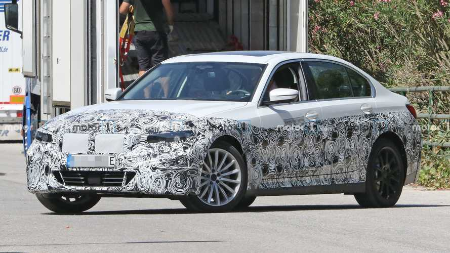 BMW 3 Series electric spied with missing tailpipes
