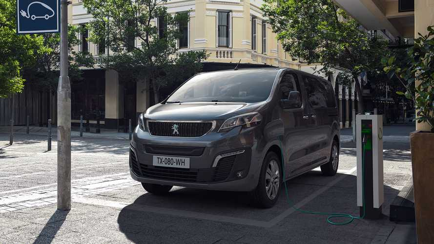 Peugeot e-Traveller, il trasporto persone diventa elettrico