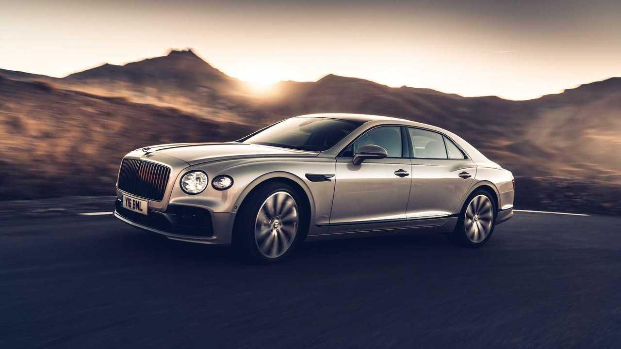 Новый флагманский седан Bentley Flying Spur