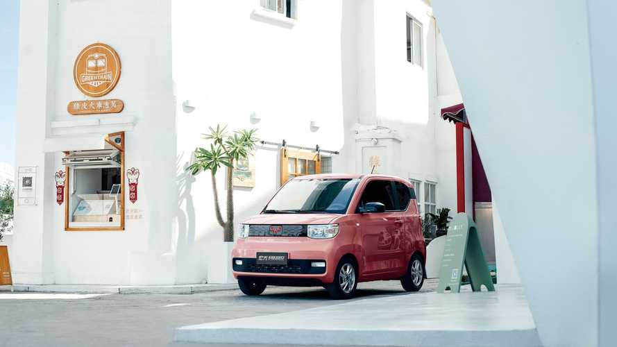 Wuling's Hong Guang MINI EV Surpasses 50,000 Orders Within Weeks