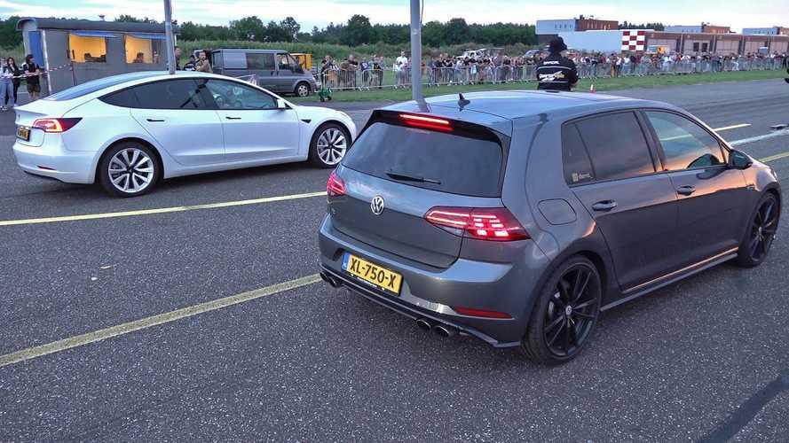 Ritka pillanat, de egy Volkswagen Golf R megvert egy Tesla Model 3-at gyorsulási versenyen