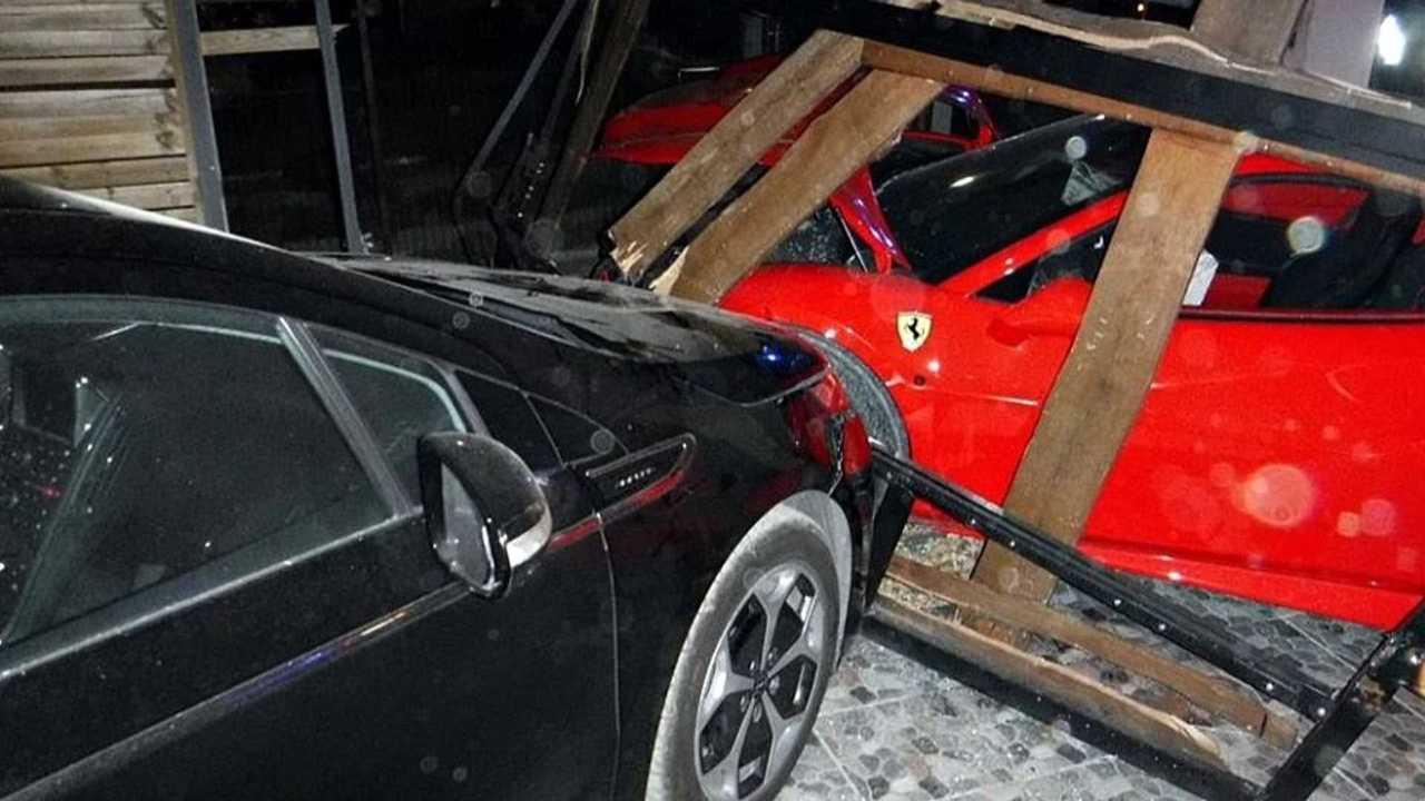 Ferrari crash, Délegyháza