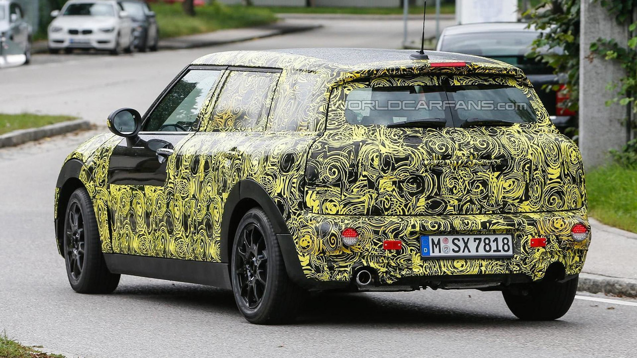 2015 MINI Clubman spy photo