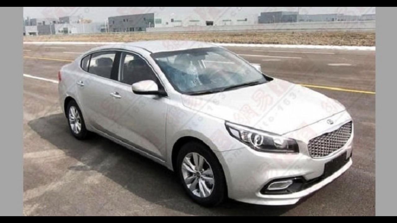 Coreano para chinês ver: inédito sedã Kia K4 já roda sem qualquer disfarce