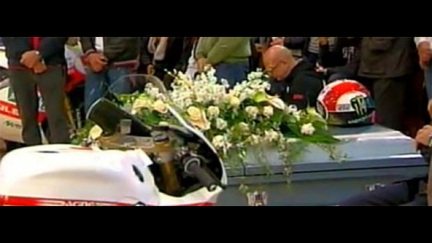 "L'affetto e gli applausi ai funerali del ""SuperSic"""