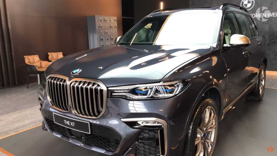 BMW X7 third row looks a little tight in walkaround video