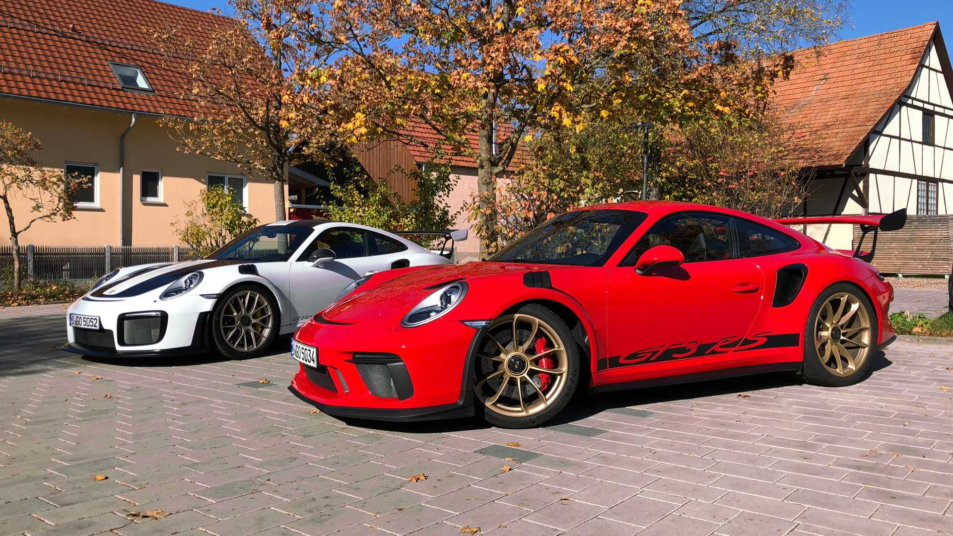 Porsche Gt2 Rs E Gt3 Rs Aceleramos Os 911 Mais Radicais Nas Estradas Sem Limite De Velocidade