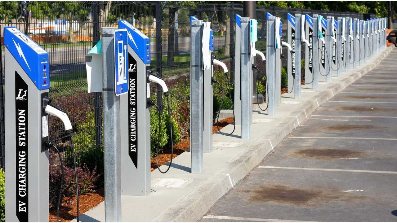 Portland International Airport Boasts One Of The Largest Installations of Electric Vehicle Charging Stations at an Airport in the US: including some 42 PowerPost® EV Chargers