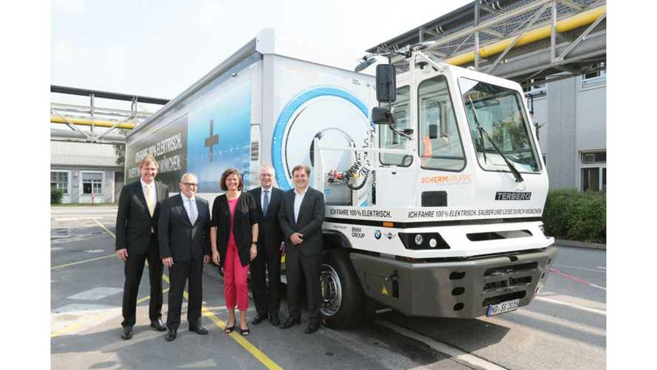 BMW, Scherm Put 40 Ton Electric Truck Into Service
