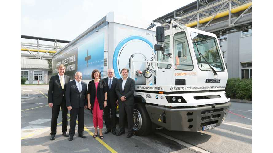 BMW, Scherm Put 40 Ton Electric Truck Into Service