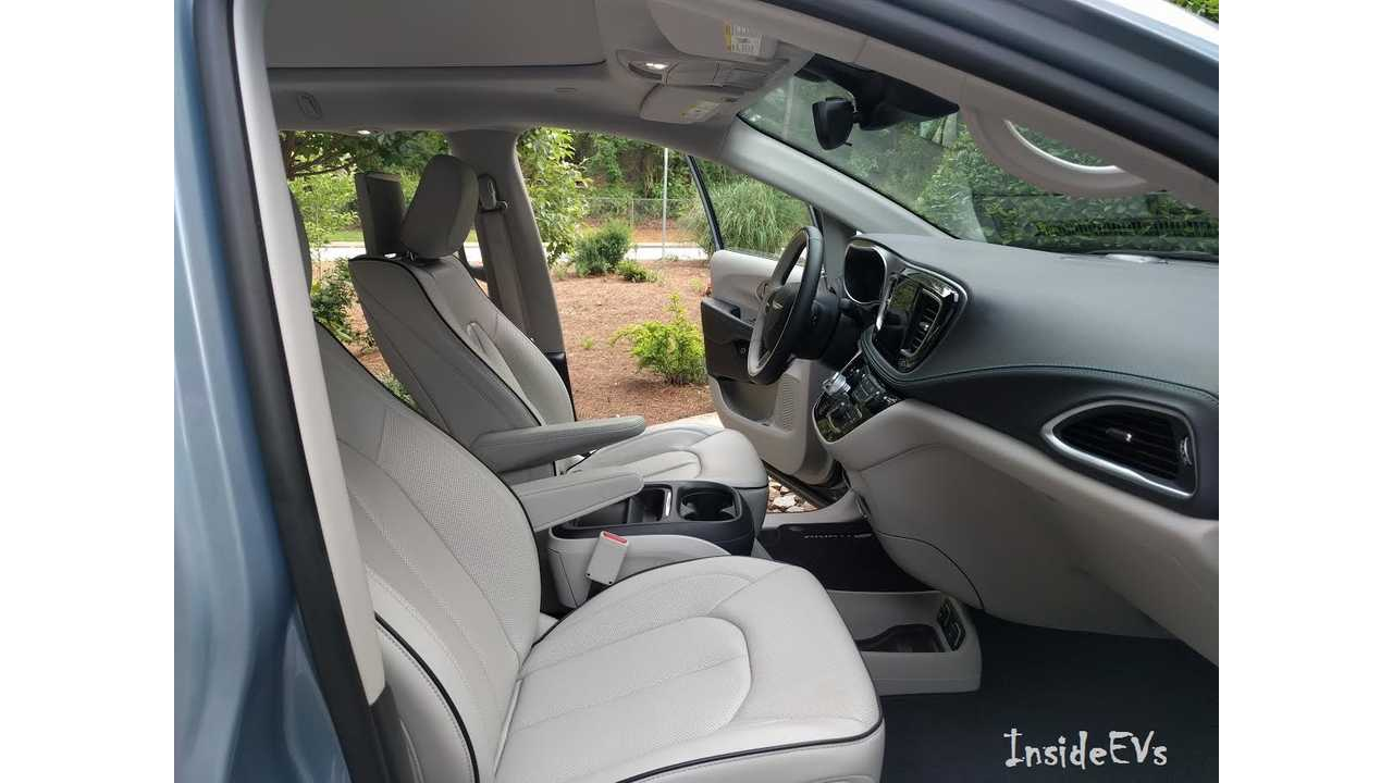 Chrysler Pacifica Hybrid Via David Lardner Interior Front Seats