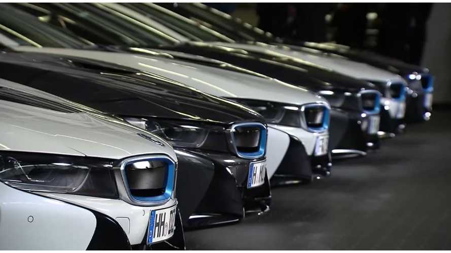 BMW i8 First Global Deliveries - Video