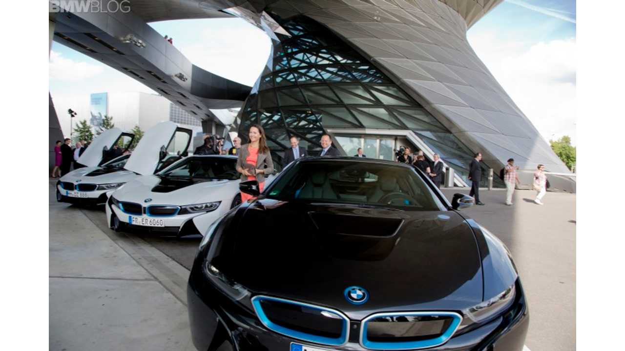 World's First BMW i8 Owners Take Delivery In Germany