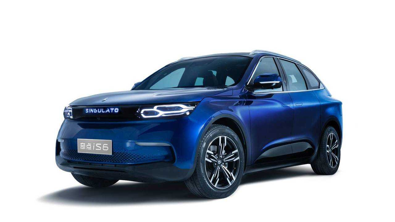 Singulato iS6 Electric SUV Debuts With 249-Mile Range