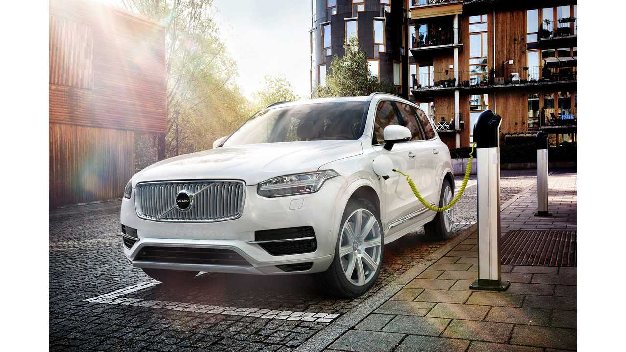 2015 Volvo XC90 Plug-In Hybrid - World Premiere (w/videos)