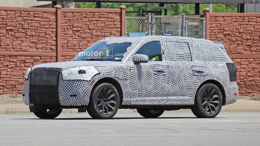 Lincoln Aviator Plug-In Hybrid SUV Spied