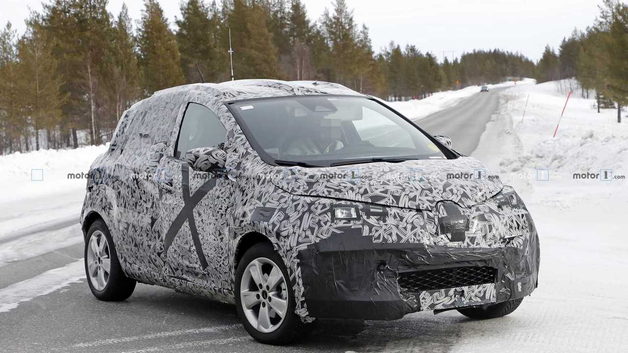 All-New Long-Range Electric Renault Zoe Spied: Looks Familiar
