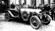 2017 - Bugatti rencontre Bentley à Rétromobile
