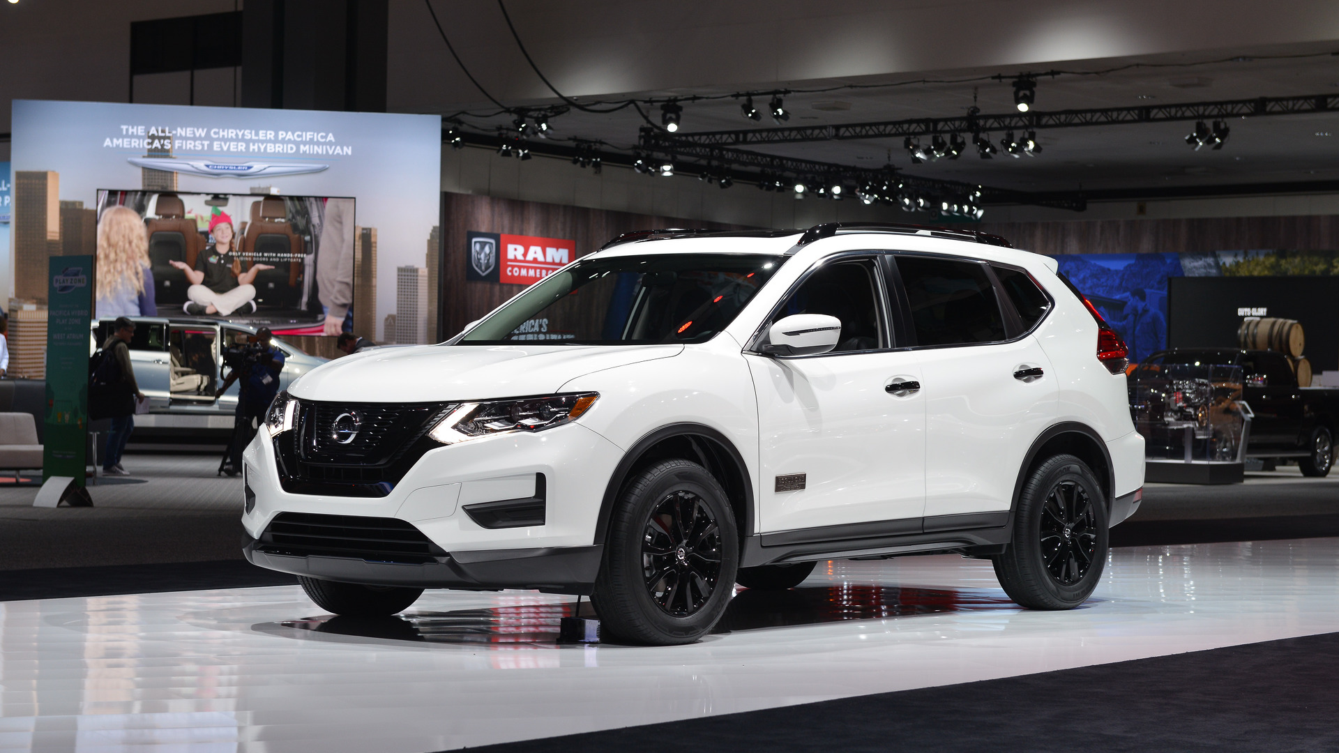 2017 Nissan Rogue Star Wars Edition Lands In L A With Full Size Tie Fighter