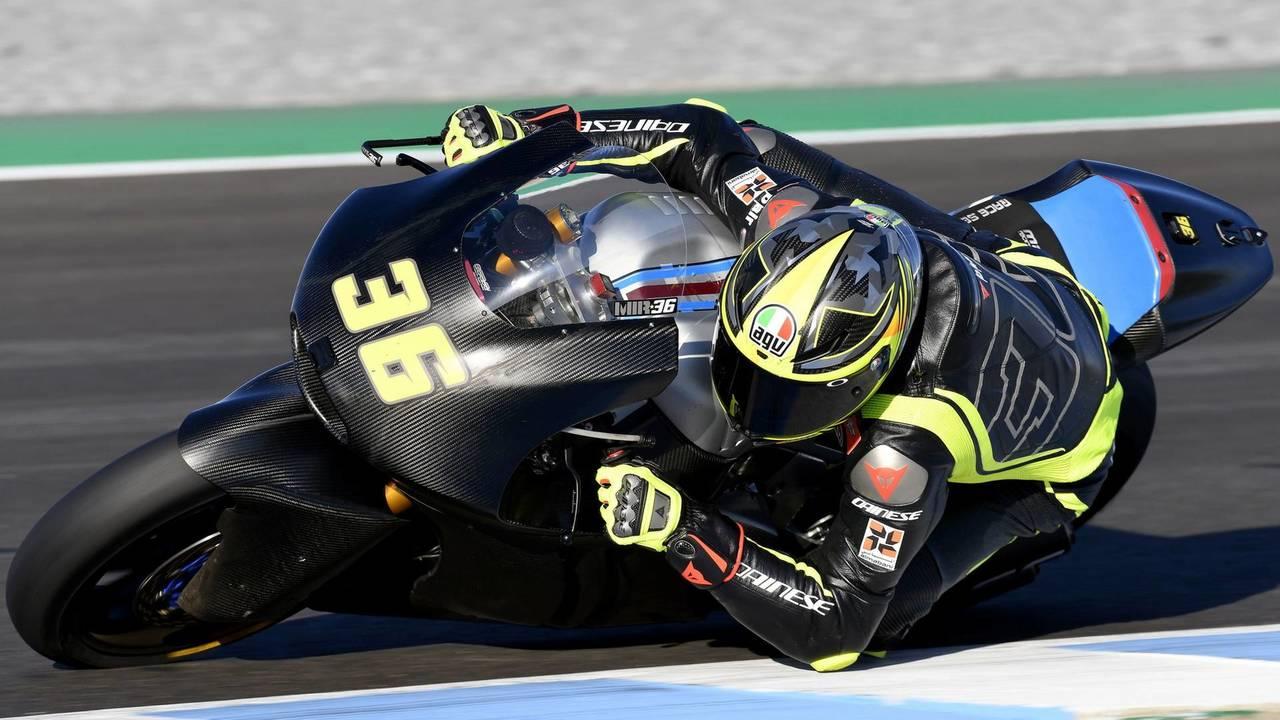 Joan Mir y su nuevo casco AGV Pista GP R