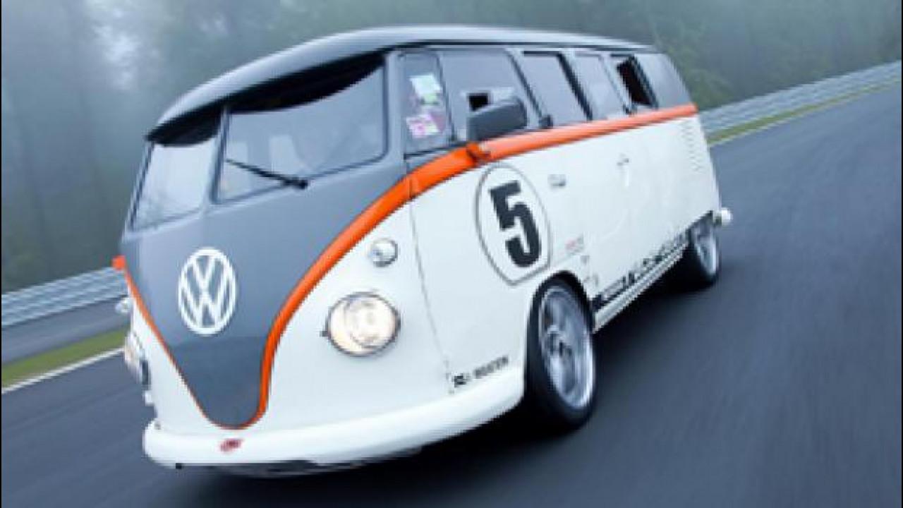 [Copertina] - Volkswagen Bulli T1, sotto il vestito c'è una Porsche